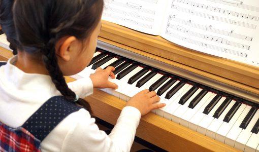 ピアノを思い通りに弾くには○○を繋げること。